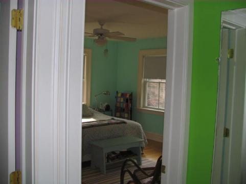 07_old_tappan_2001_bedroom1.jpg
